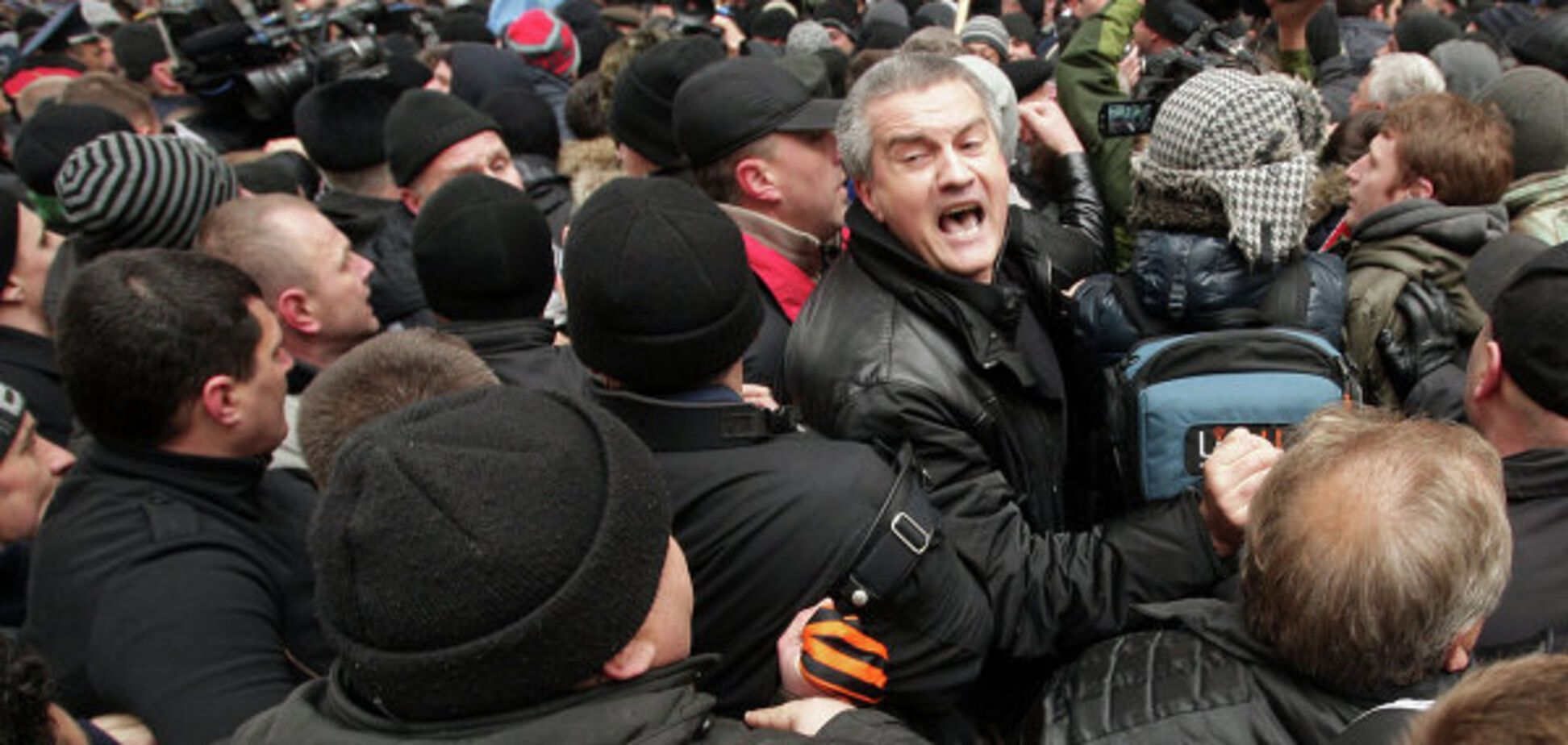 Аксьонов Крим протест