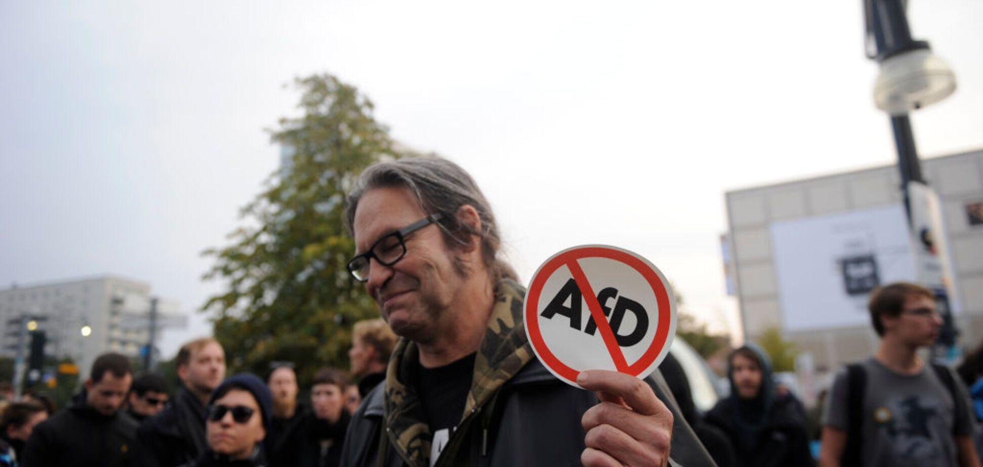 'Мігранти та збочення': ультраправі в Німеччині використовували російськомовну агітацію