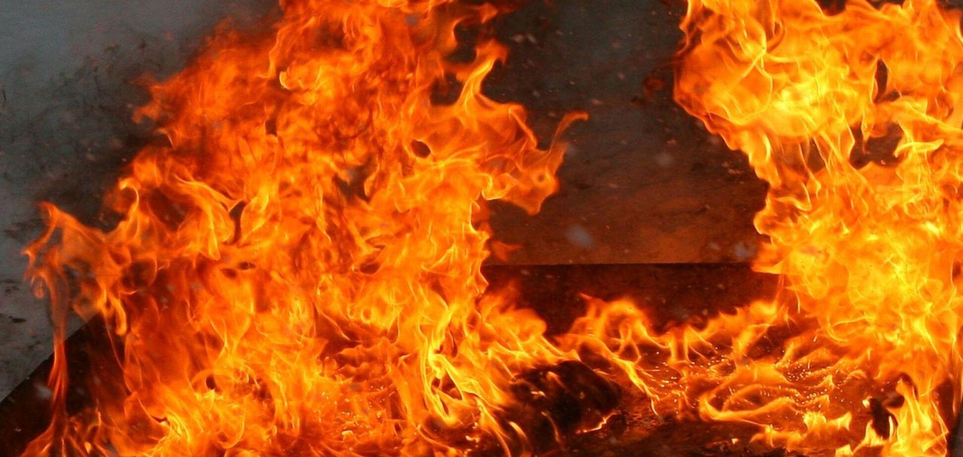 На Вінниччині пожежа охопила військову частину: всі подробиці