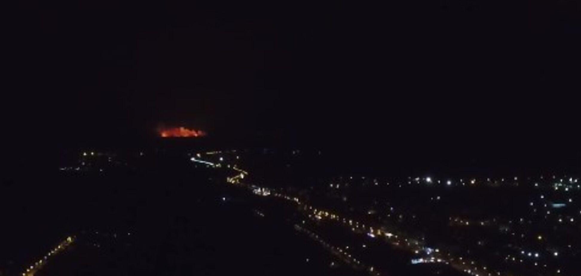 Пожар на складах в Калиновке показали с высоты птичьего полета