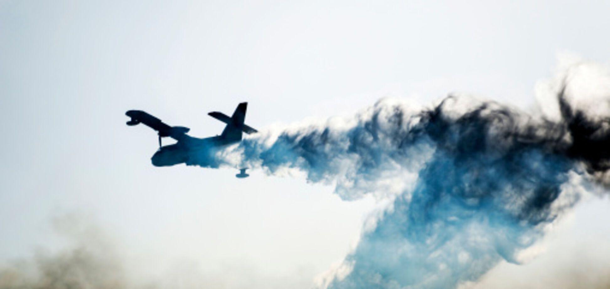 Кадры тушения самолетом горящего арсенала в Калиновке сняли с воздуха