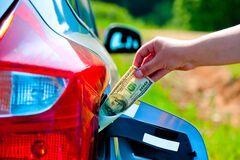 Калька з автогазу? Чому зростають ціни на бензин