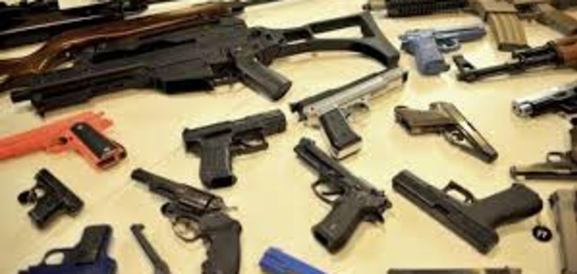 В Запорожье объявлен месячник добровольной сдачи оружия