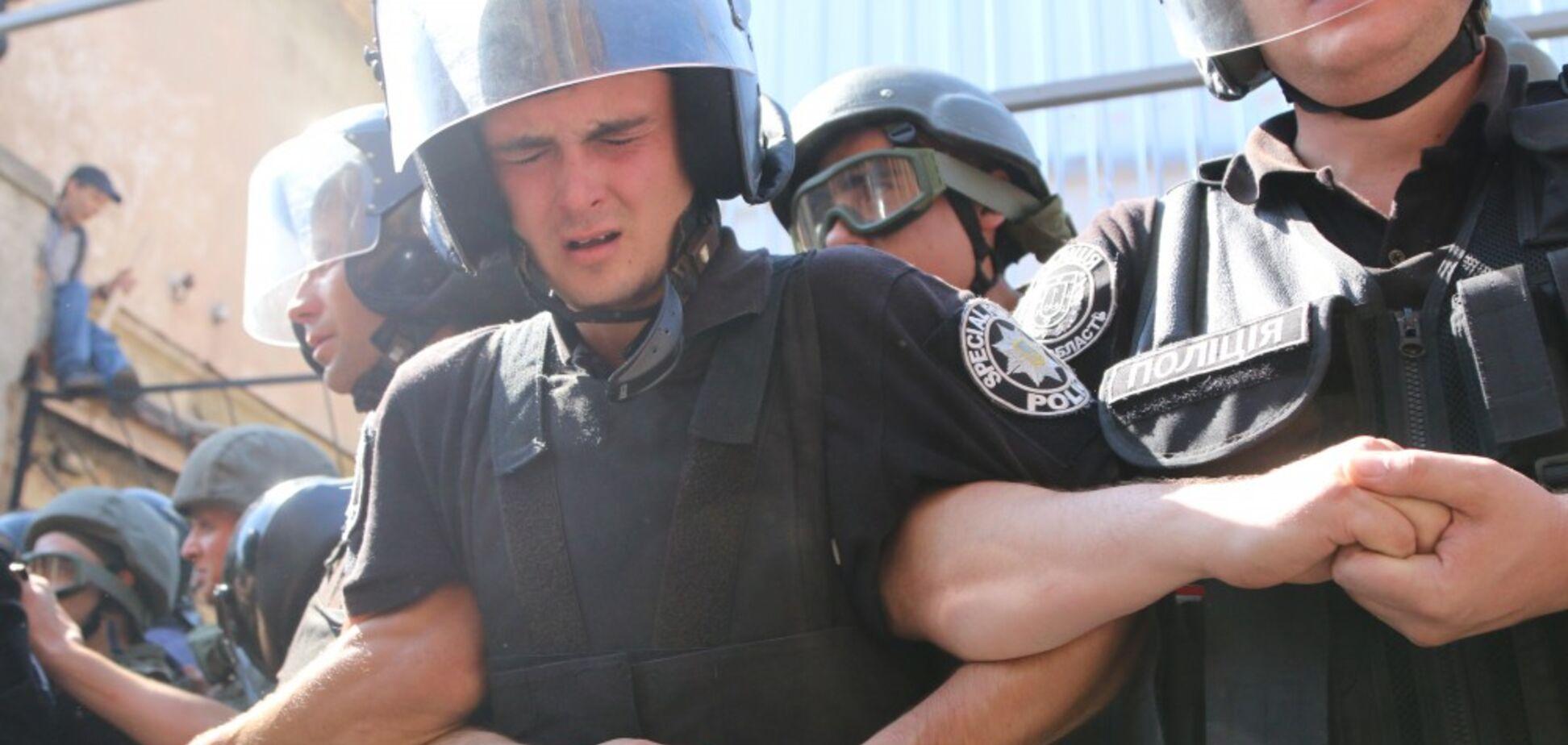 Файера и слезоточивый газ: в Одессе вспыхнуло крупное побоище