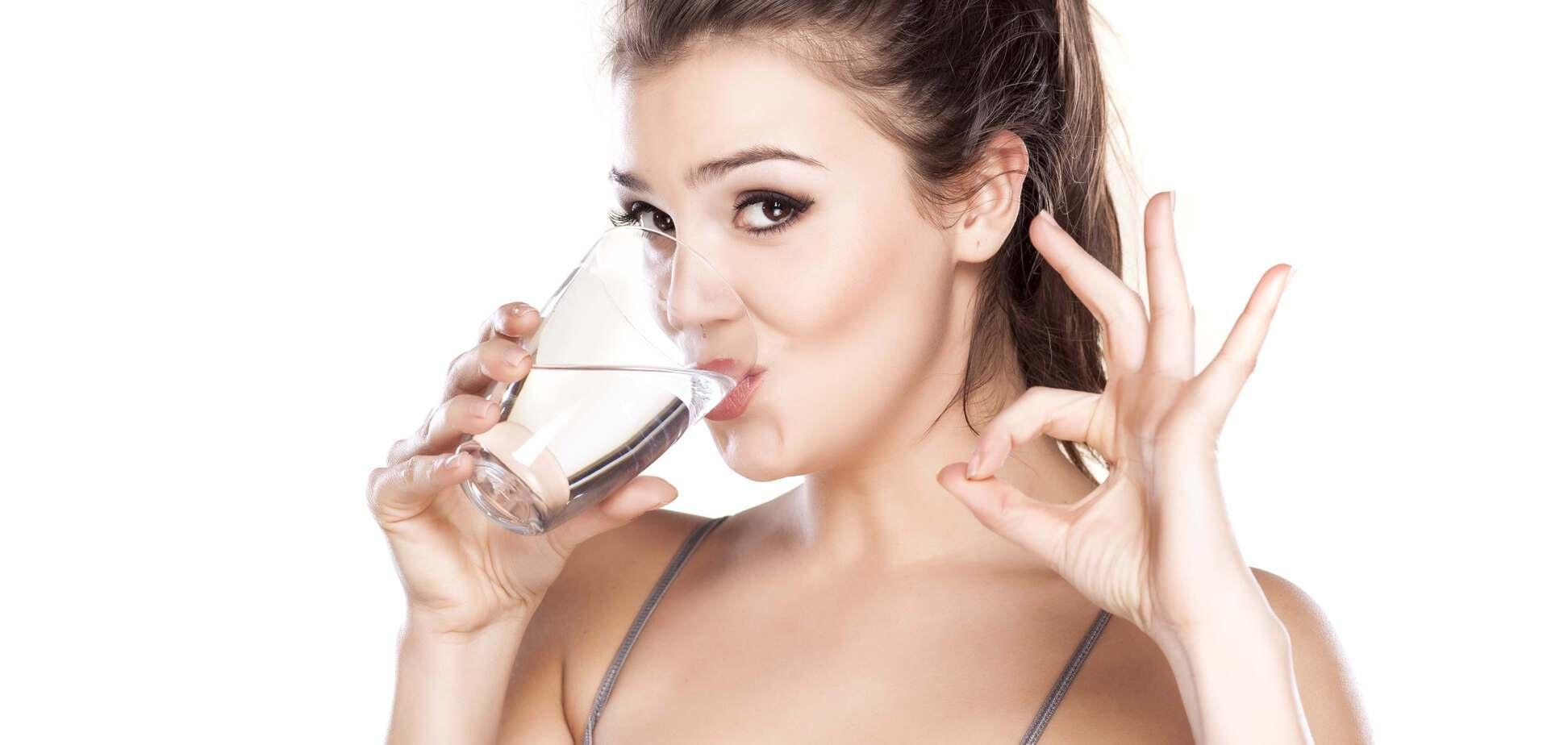 Ученые выяснили, сколько нужно пить воды, чтобы не навредить организму