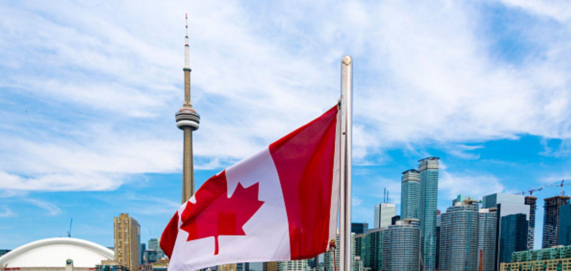 Катастрофически большой процент: Канада массово отказывает украинцам в визах