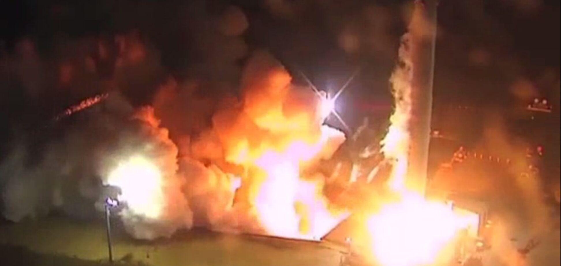 В США испытали 'самую мощную ракету в мире' от Илона Маска: впечатляющее видео