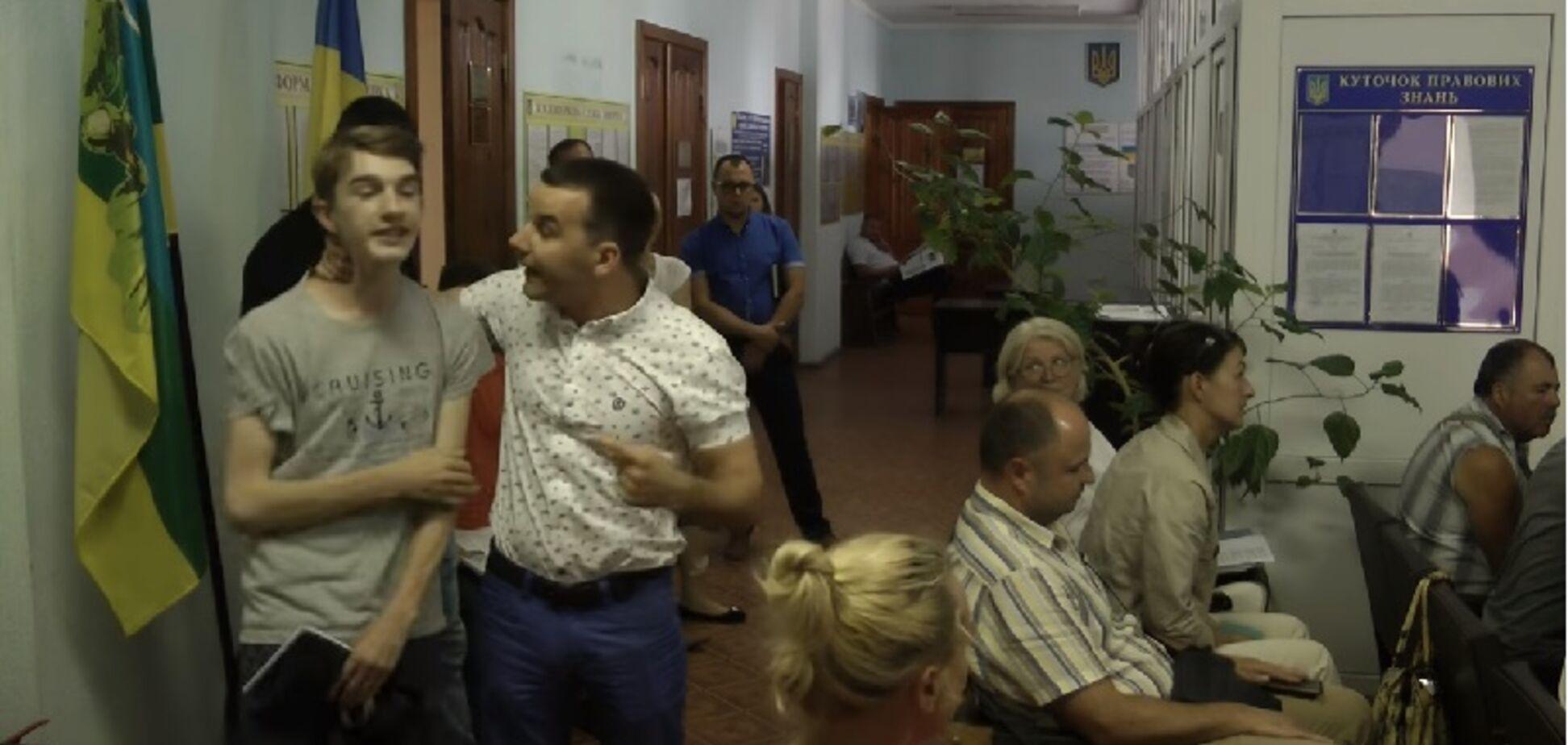 'Не занимайся х*рней': скандал с самосудом депутата над школьником под Киевом получил продолжение