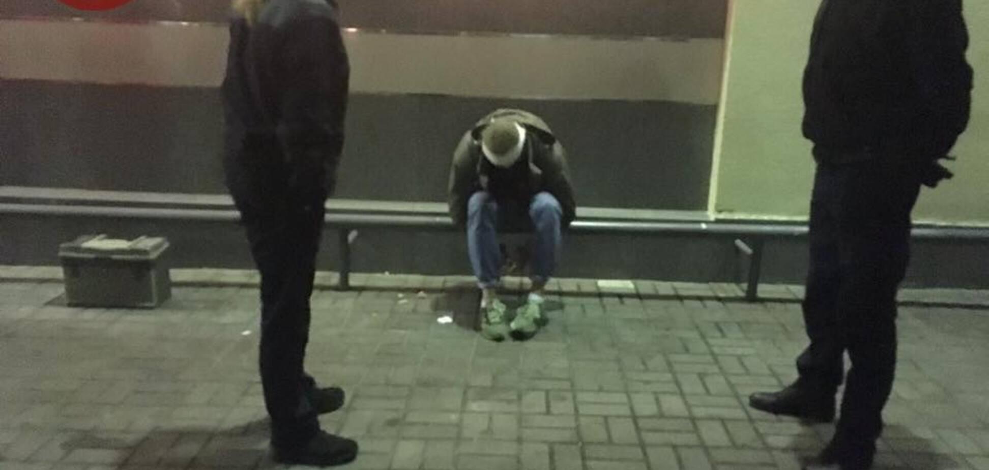Экс-боец АТО и любитель 'Л/ДНР' устроили потасовку возле известного бара в Киеве
