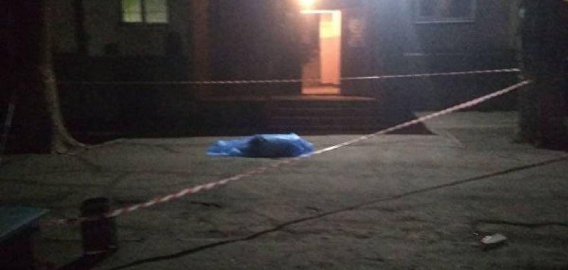 В Запорожье самоубийца лишил жизни ребенка