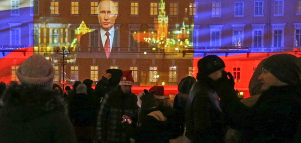 Главный противник Путина восхитил сеть 'президентским' поздравлением с Новым годом