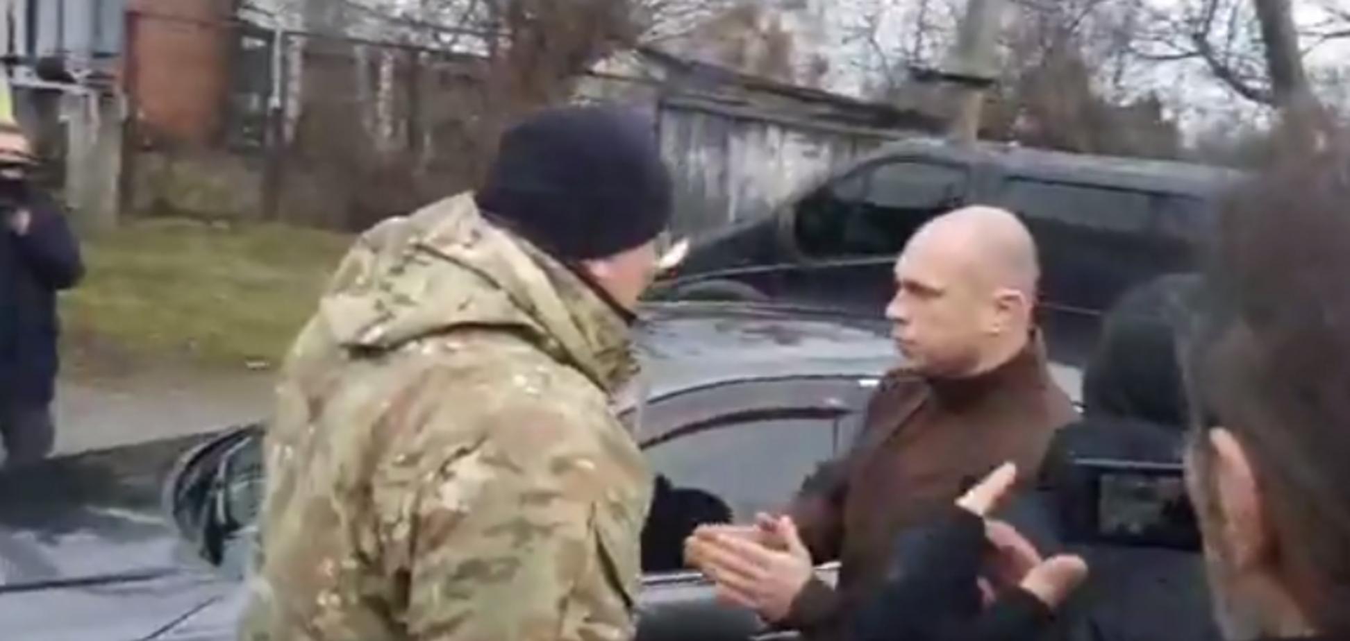 'Лысая башка!' Кива поссорился с волонтерами, искавшими погибшую Ноздровскую