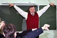 'Повесить у Кремля': футбольные фанаты 'сделали отбивную' из российского чиновника