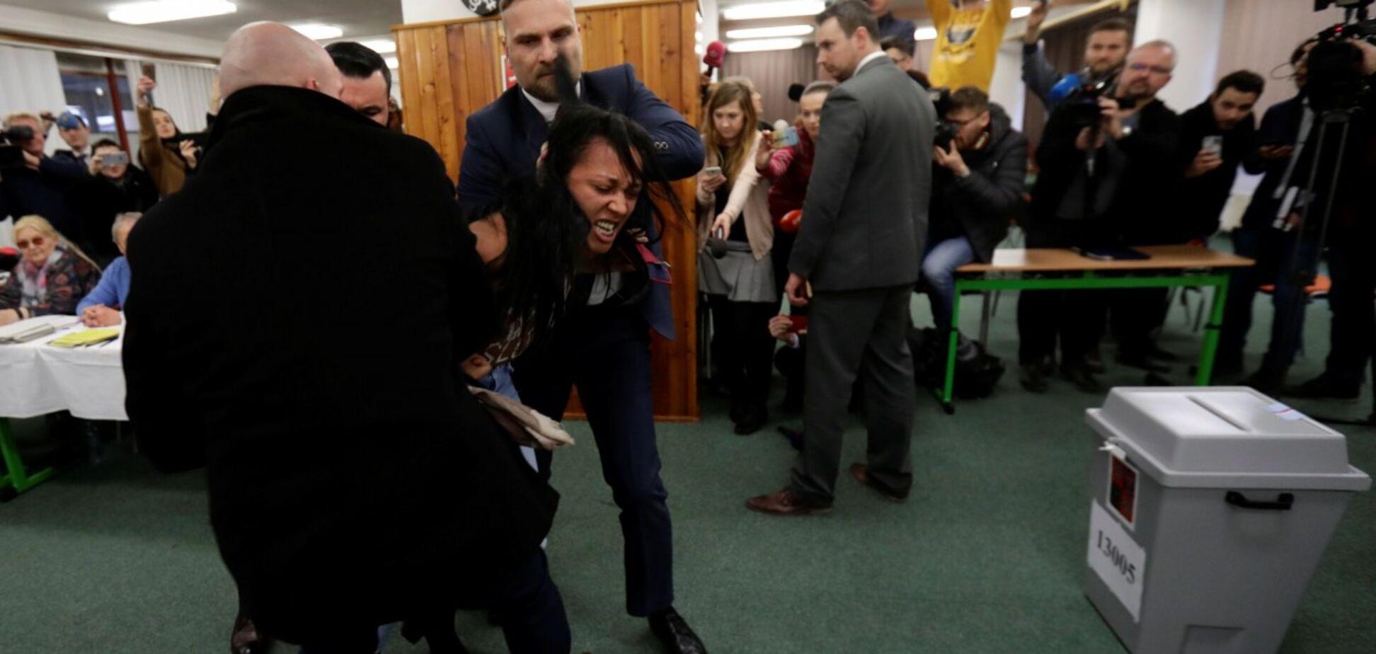 'Здесь не Россия': скандал с активисткой Femen в Чехии получил продолжение