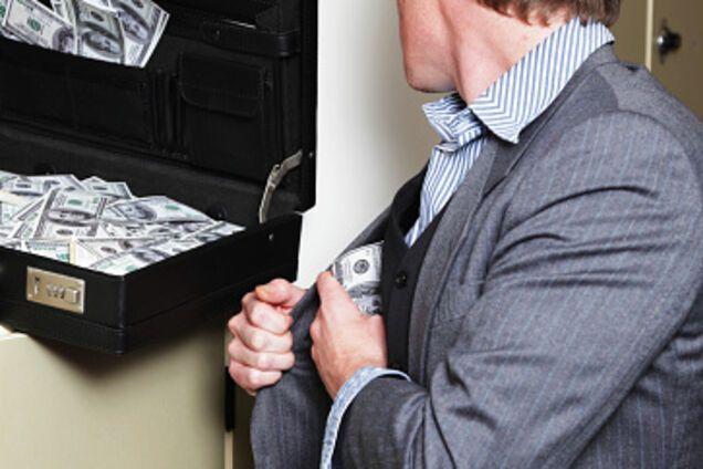 Группировка российского миллионера вывела 2 млрд грн из украинского банка