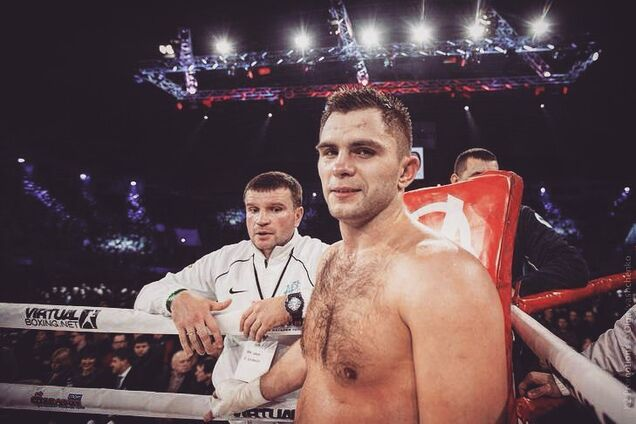 Небитый украинский боксер добыл яркую победу в Чикаго