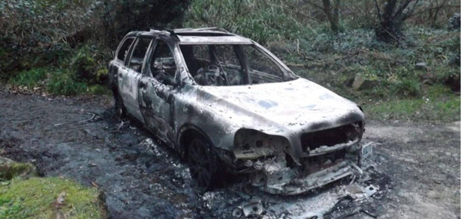 Пытали и сожгли: опубликованы жуткие фото с места расправы над украинским бойцом в Европе