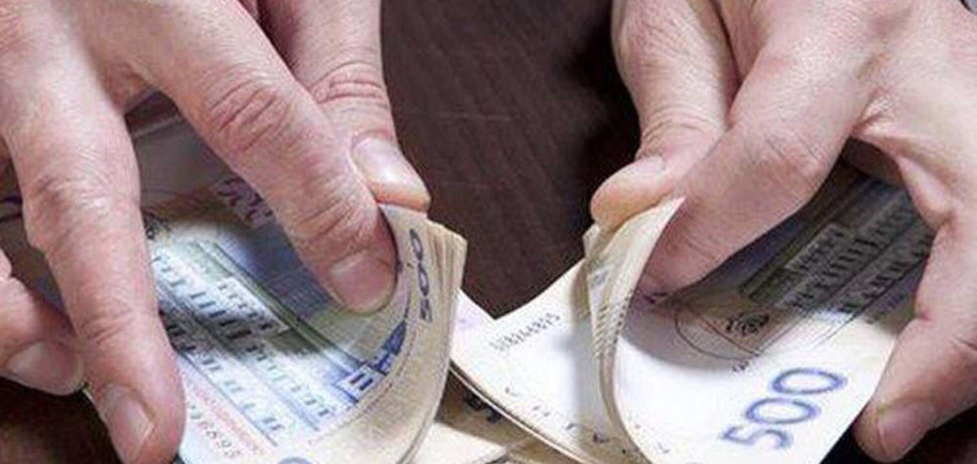 В Киеве экс-ректора вуза поймали на крупной растрате денег