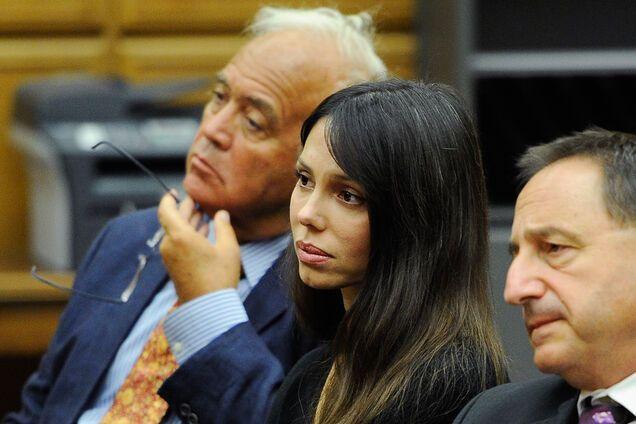 Развился рак мозга: русская экс-любовница Мела Гибсона предъявила серьезное обвинение