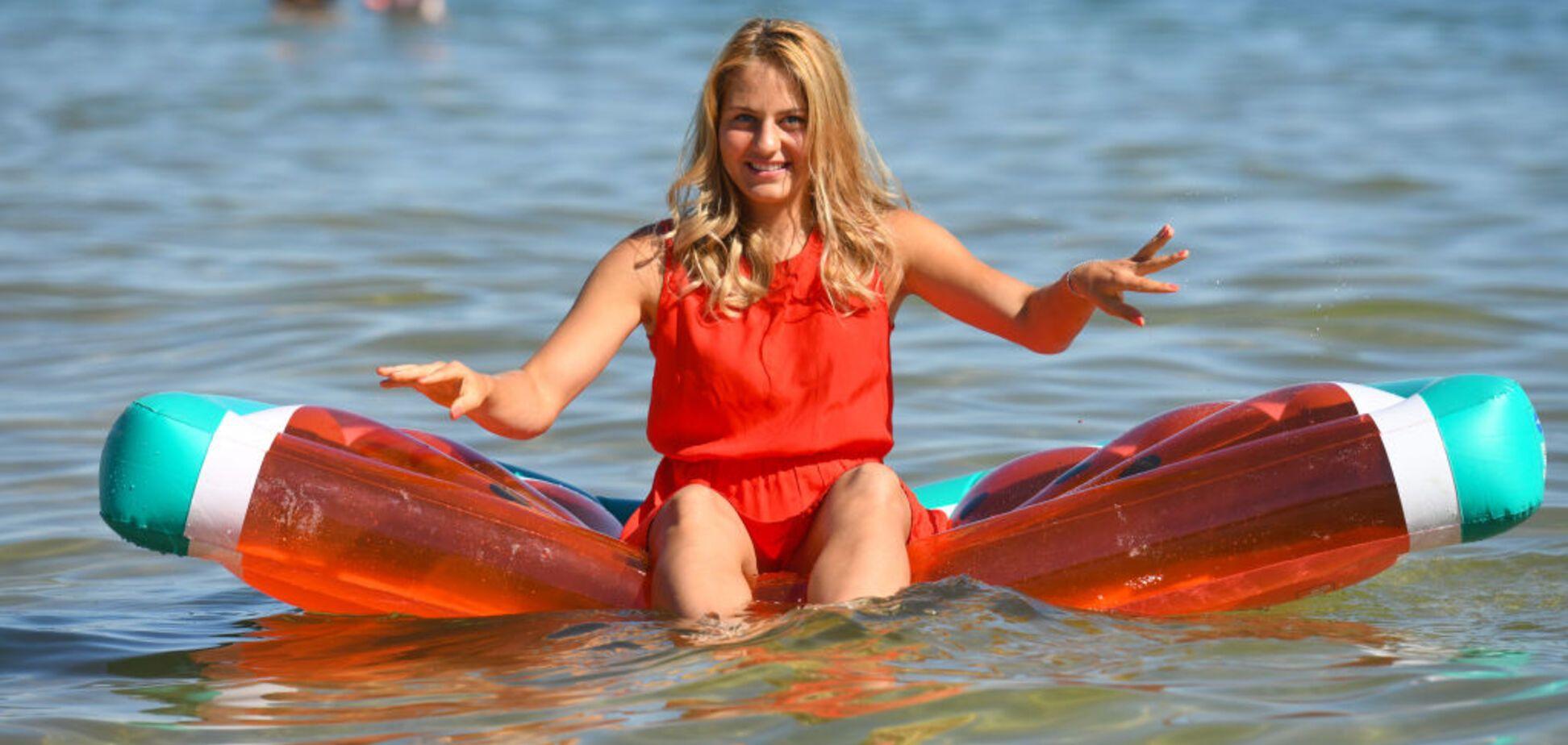 Девушка дня: 15-летняя украинка, ставшая сенсацией Australian Open, снялась в яркой фотосессии на берегу озера