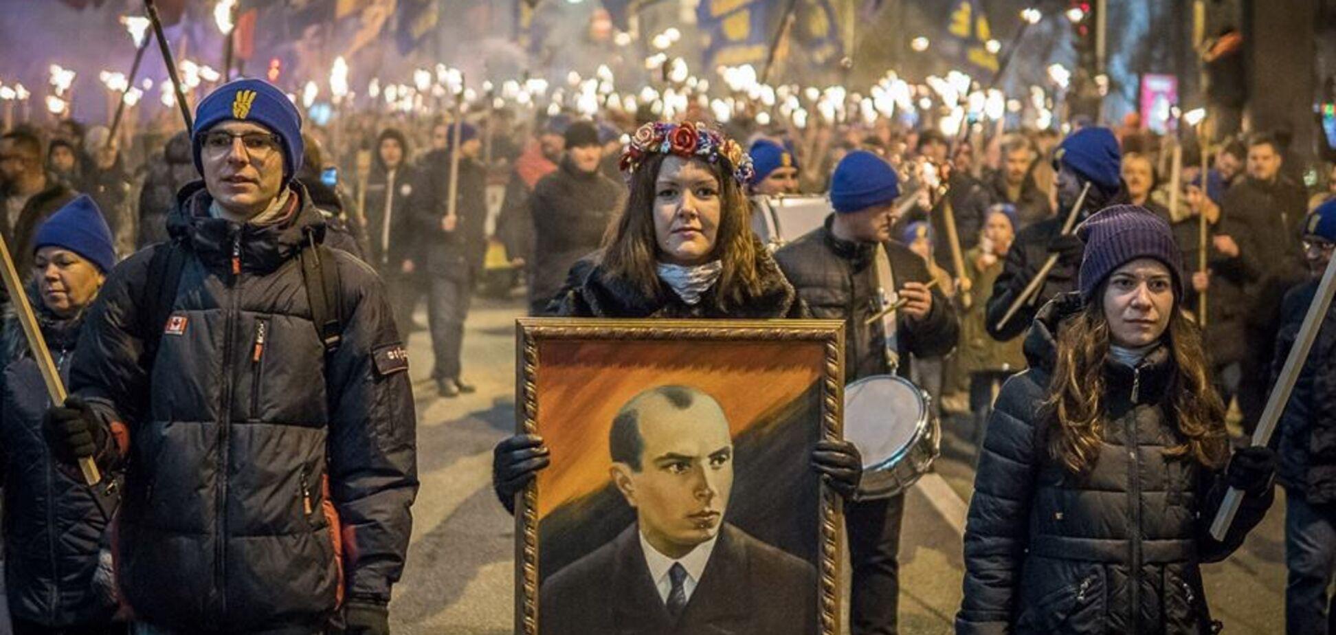 Бандера идет в наступление? Украинский историк рассказал Аксенову о националистах