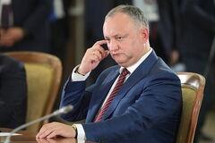 У Молдові зняли з посади проросійського президента Додона
