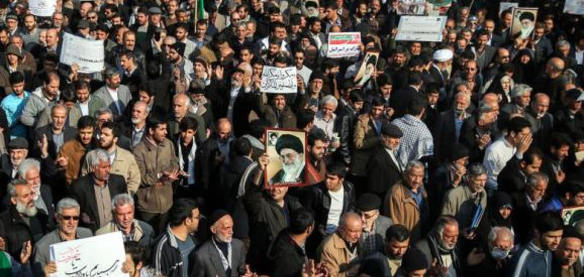 Кровавые беспорядки в Иране: лидер страны выступил с жестким обвинением
