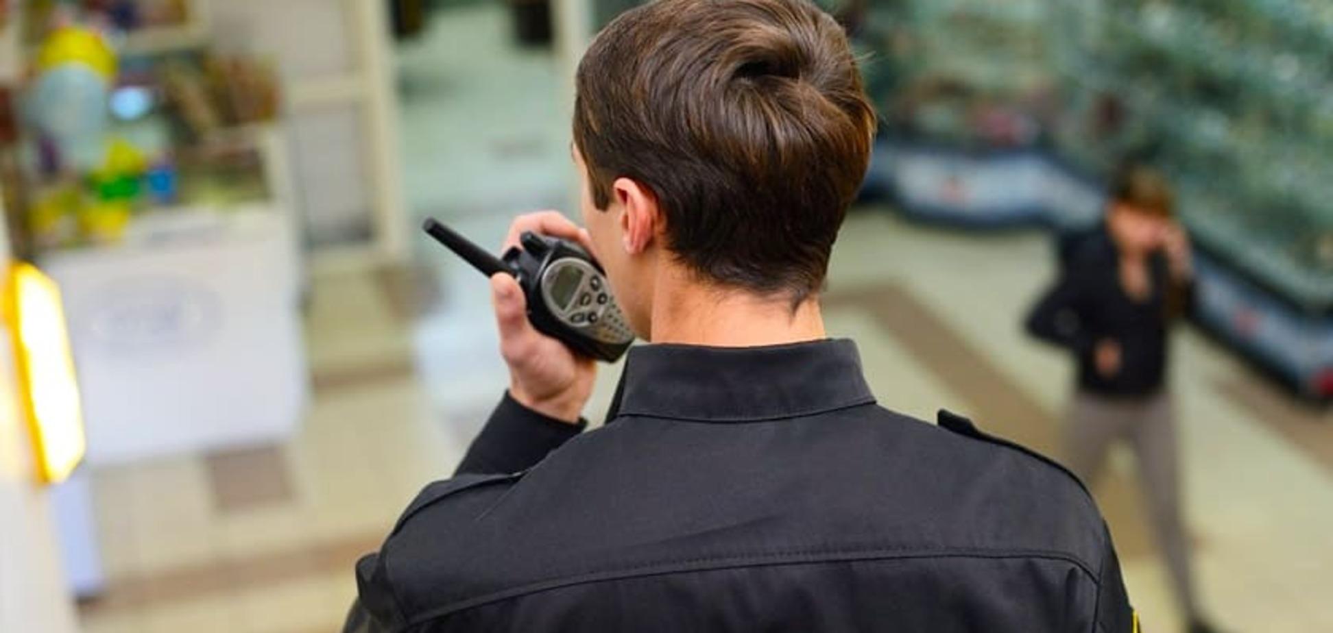 Чи мають право охоронці супермаркету застосовувати силу чи затримувати покупців