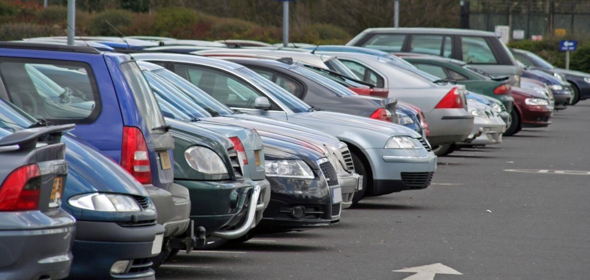 Неправильна парковка в Україні: де не можна ставити авто і що загрожує порушникам