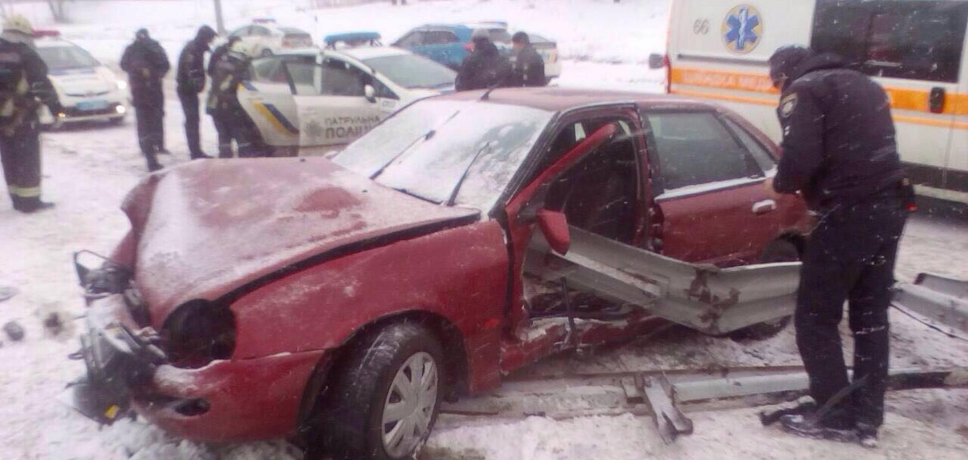 Авария на арочном мосту в Запорожье: появились подробности и фото