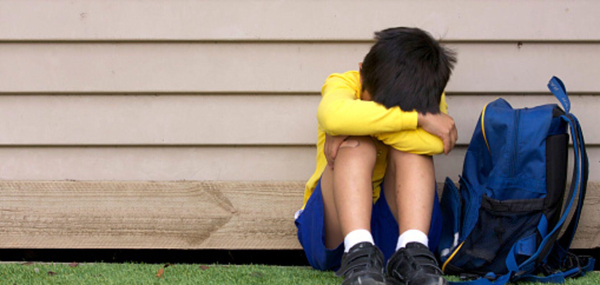 'Звонил и плакал': в Херсоне мама школьника устроила обидчикам сына публичный самосуд. Видео