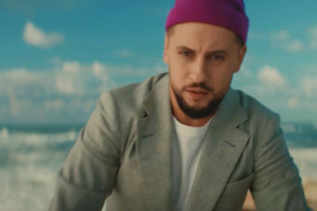 Украинский певец снялся в рекламе российского оператора