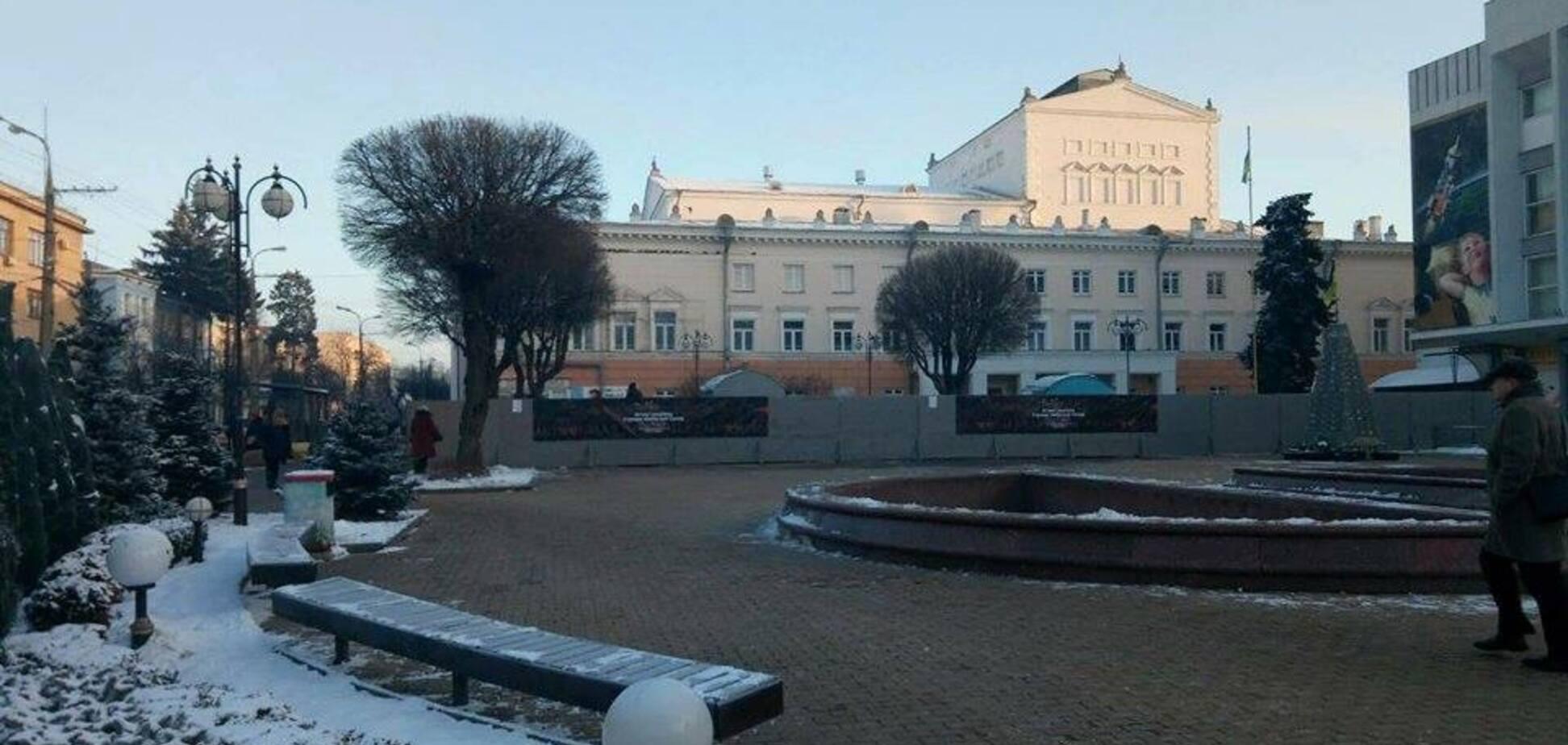 'Первые в мире': в Виннице снесли памятник Шевченко, в сети ажиотаж