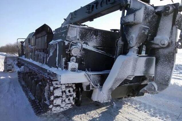 08fb0cc353a5 Спасатели всю ночь вытаскивали застрявшие авто. В Запорожской области с  вечера 23 января и всю ночь 24 спасатели и дорожные службы расчищали три  трассы ...
