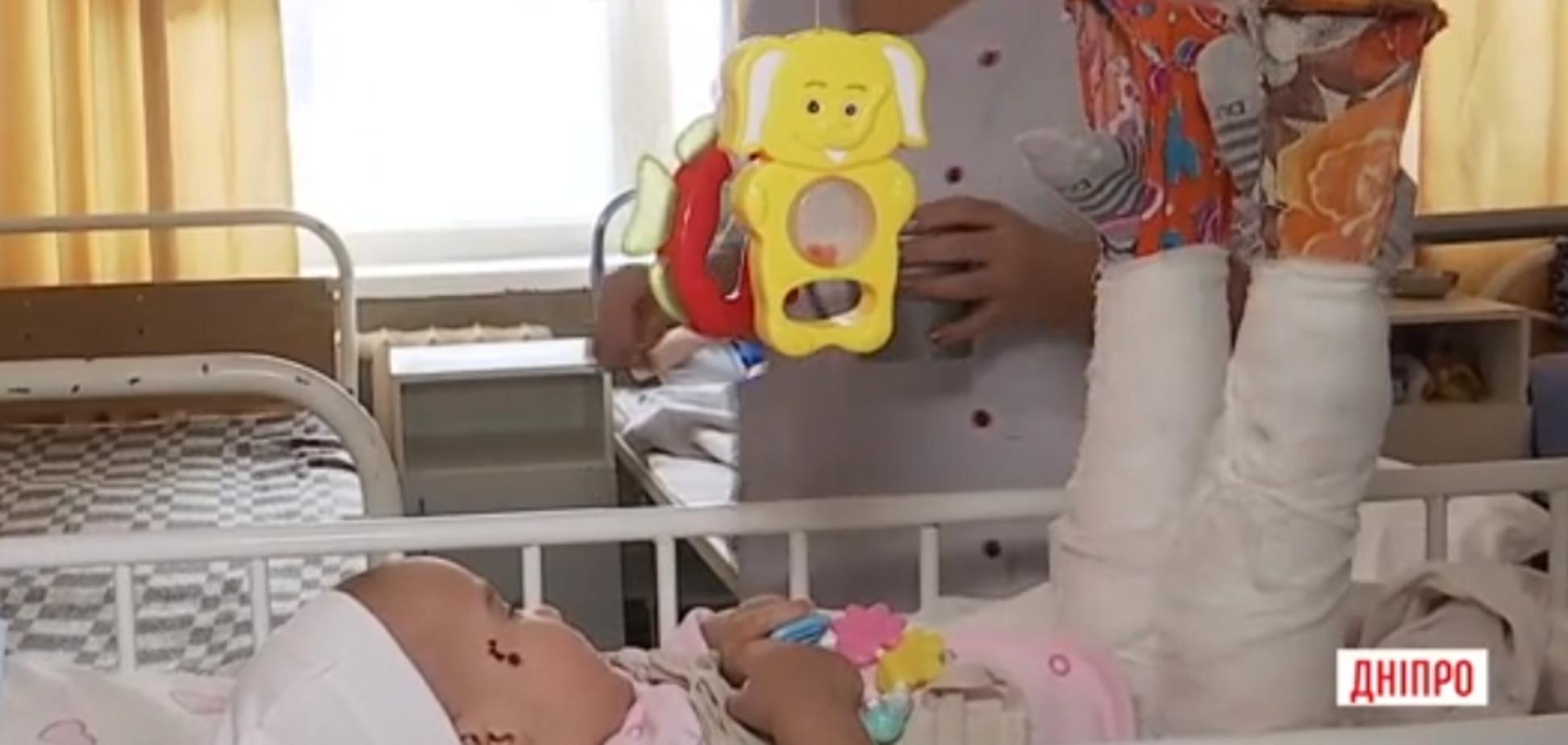 В Каменском жестоко избили годовалую девочку: мать поразила новым поступком