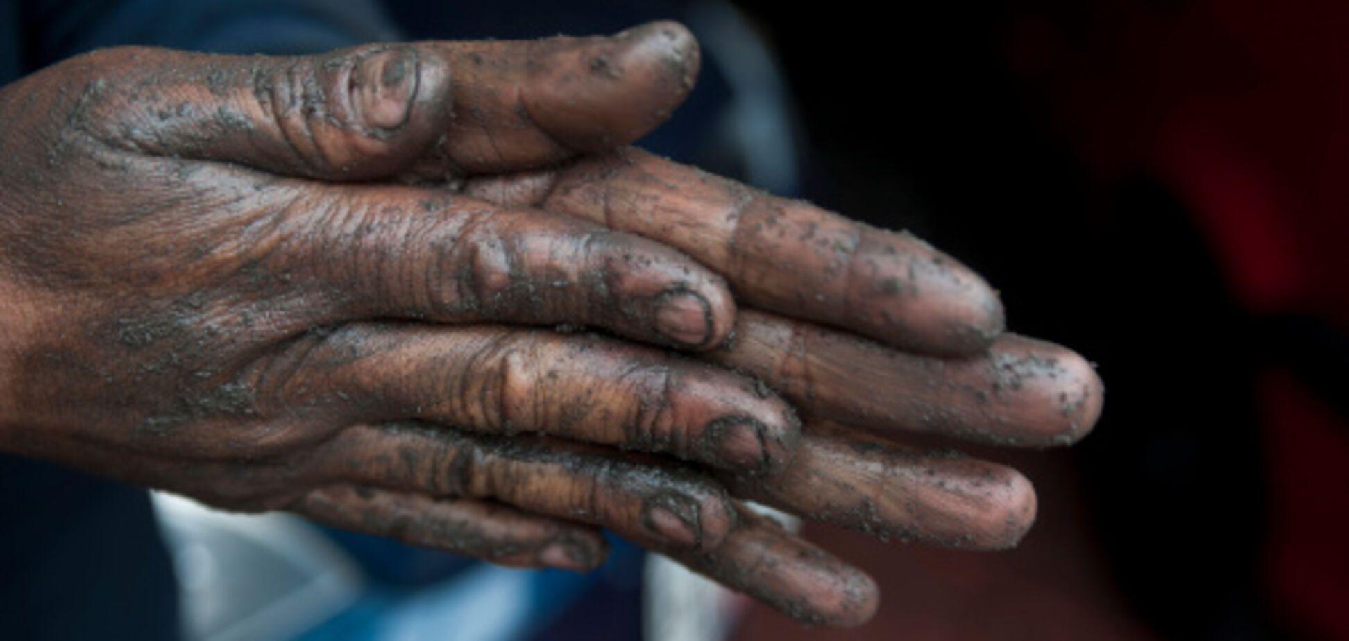 Під Дніпром працівниця школи руками розкладала їжу дітям: сплив важливий момент
