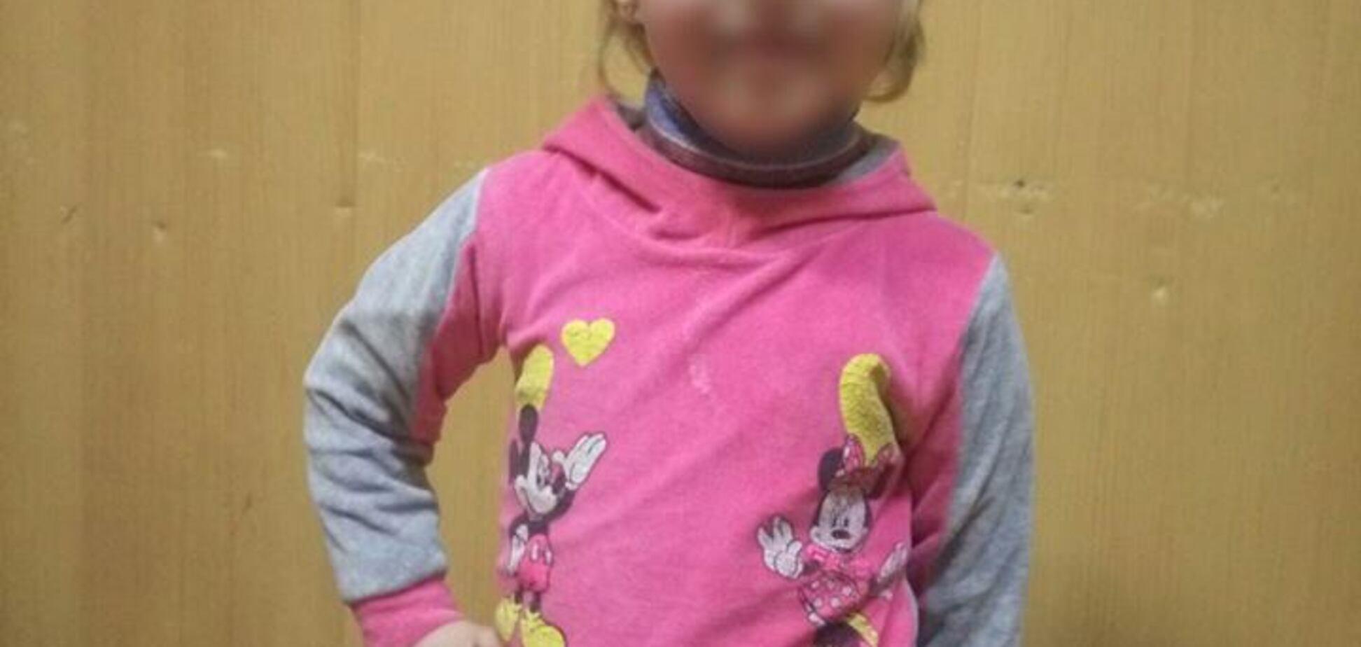 Ребенок едва не замерз: в Днепре полицейские задержали горе-отца