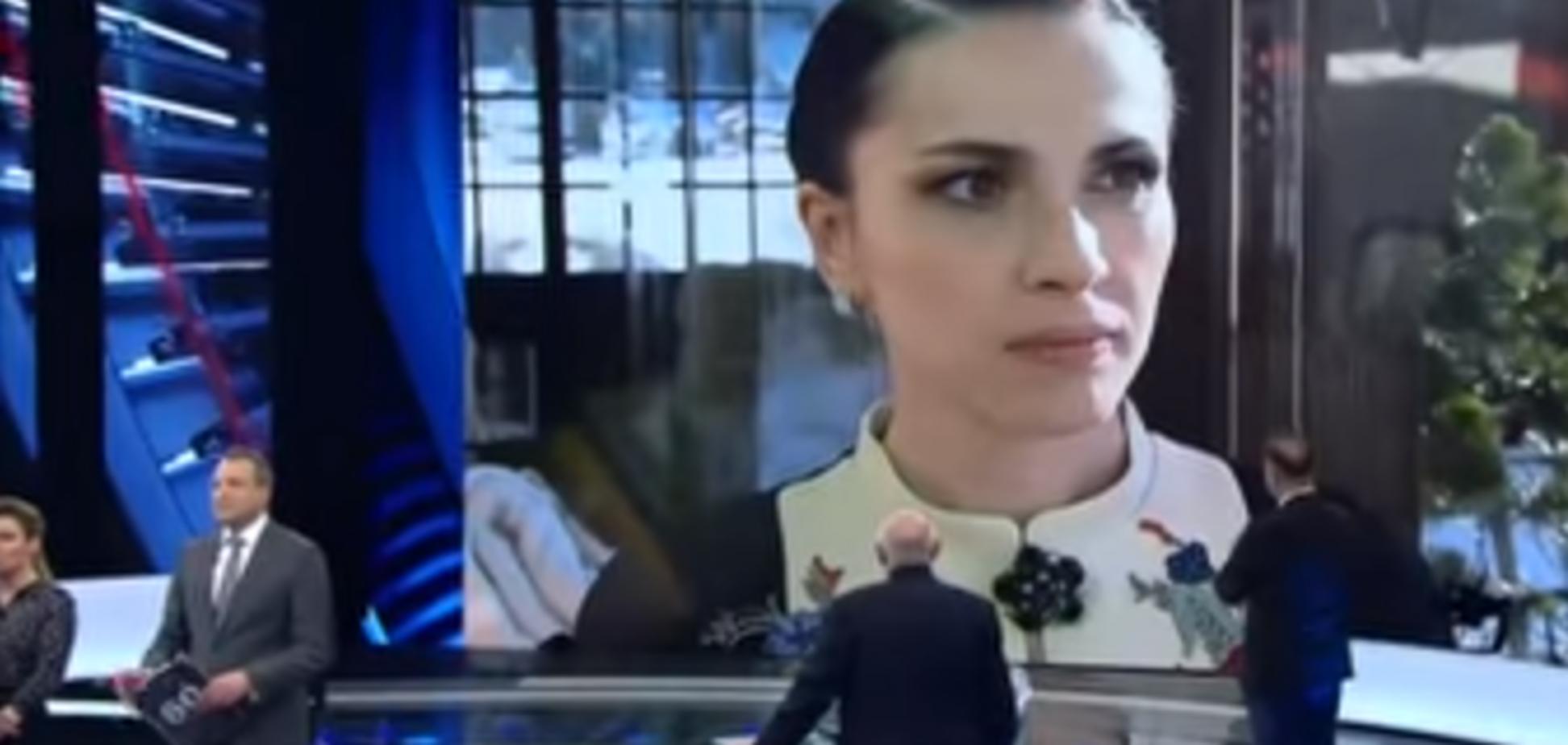 'Как войска РФ на Донбассе': скандальная журналистка в вышиванке съязвила о провокации с Порошенко