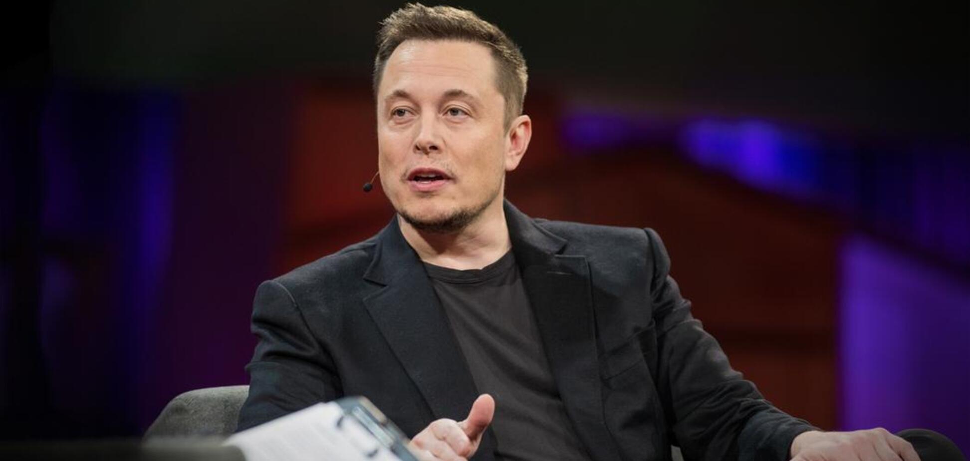 Илон Маск раскрыл детали тайного бизнеса и показал 'самый безопасный огнемет в мире'
