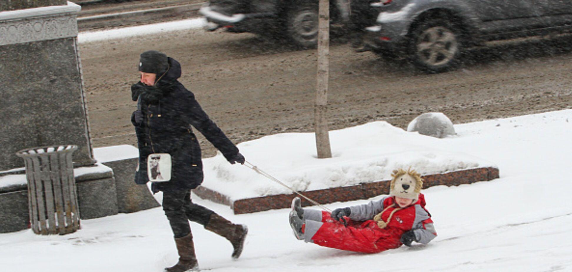 Надвигается буря: украинцев предупредили об опасной погоде