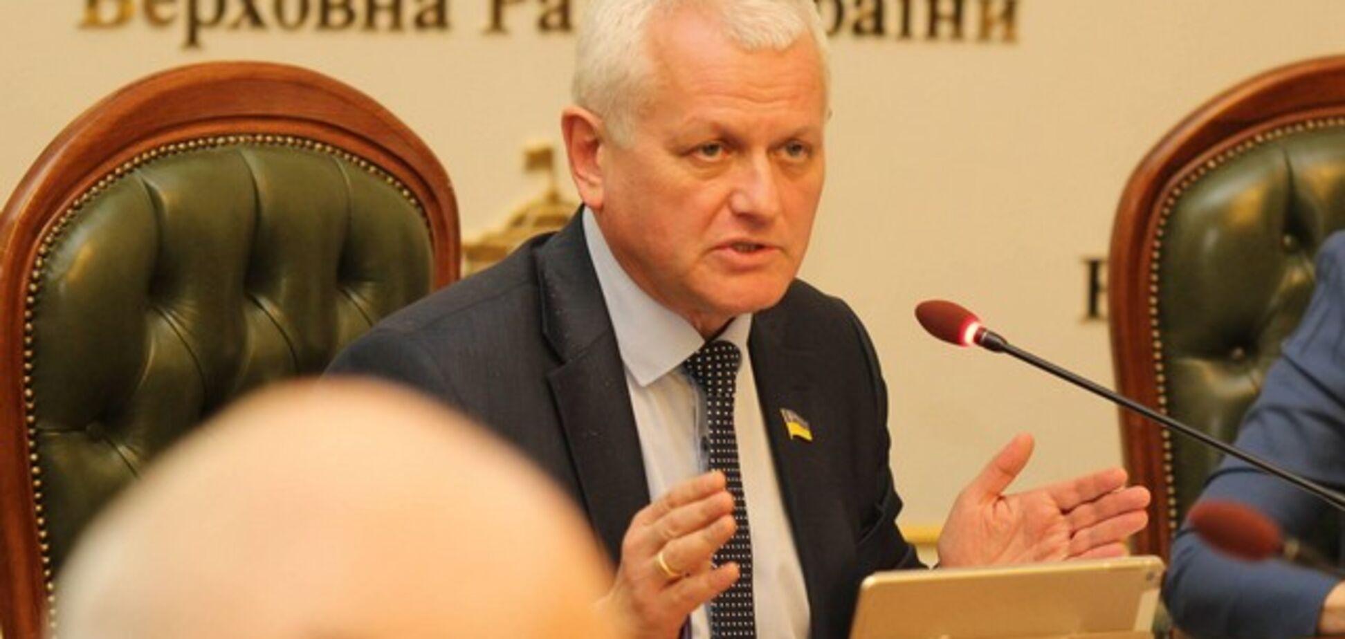 Похож на инвалида? Депутат Рады угодил в громкий скандал