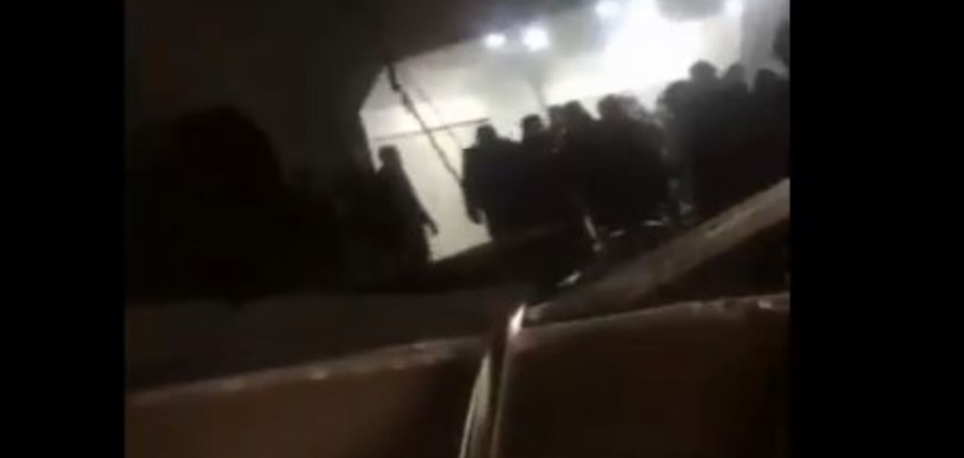 В Тбилиси обвалился потолок в метро: более 10 пострадавших