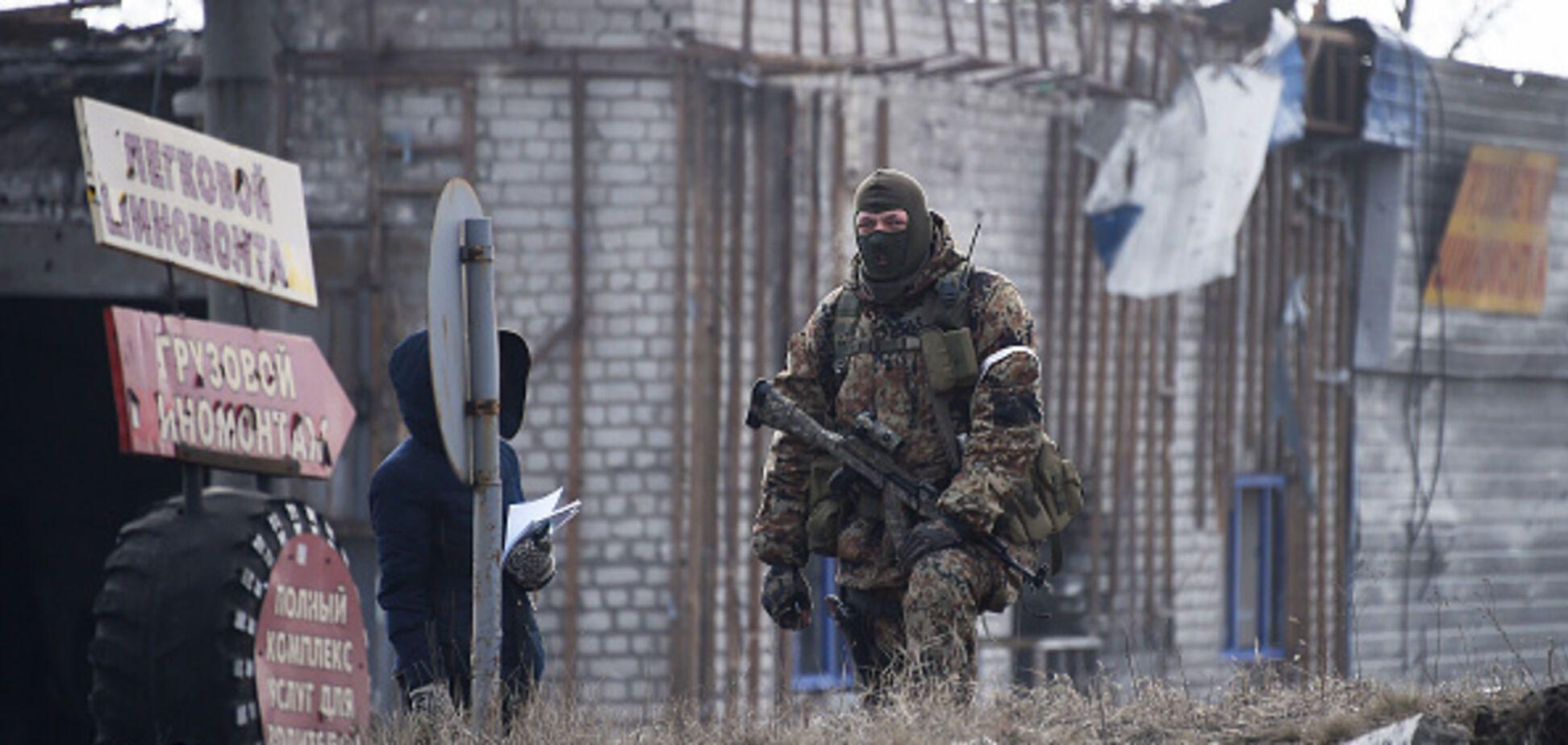 'Их там прикопают': у Порошенко показали видео уничтожения путинского вояки