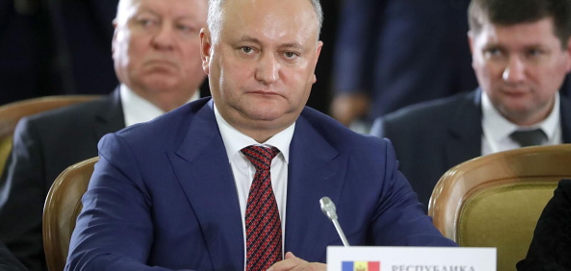Все из-за России: президента Молдовы снова сняли с должности