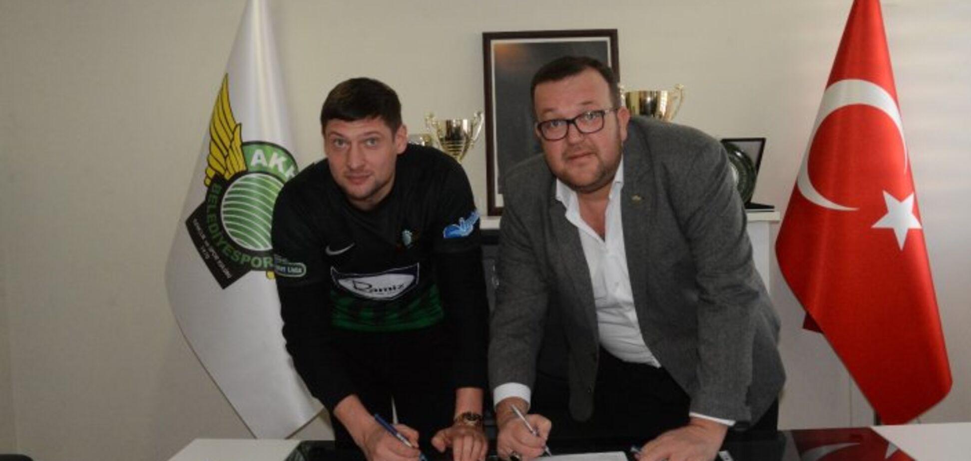 Сумасшедший чемпионат: футболист сборной Украины подписал контракт с новым европейским клубом