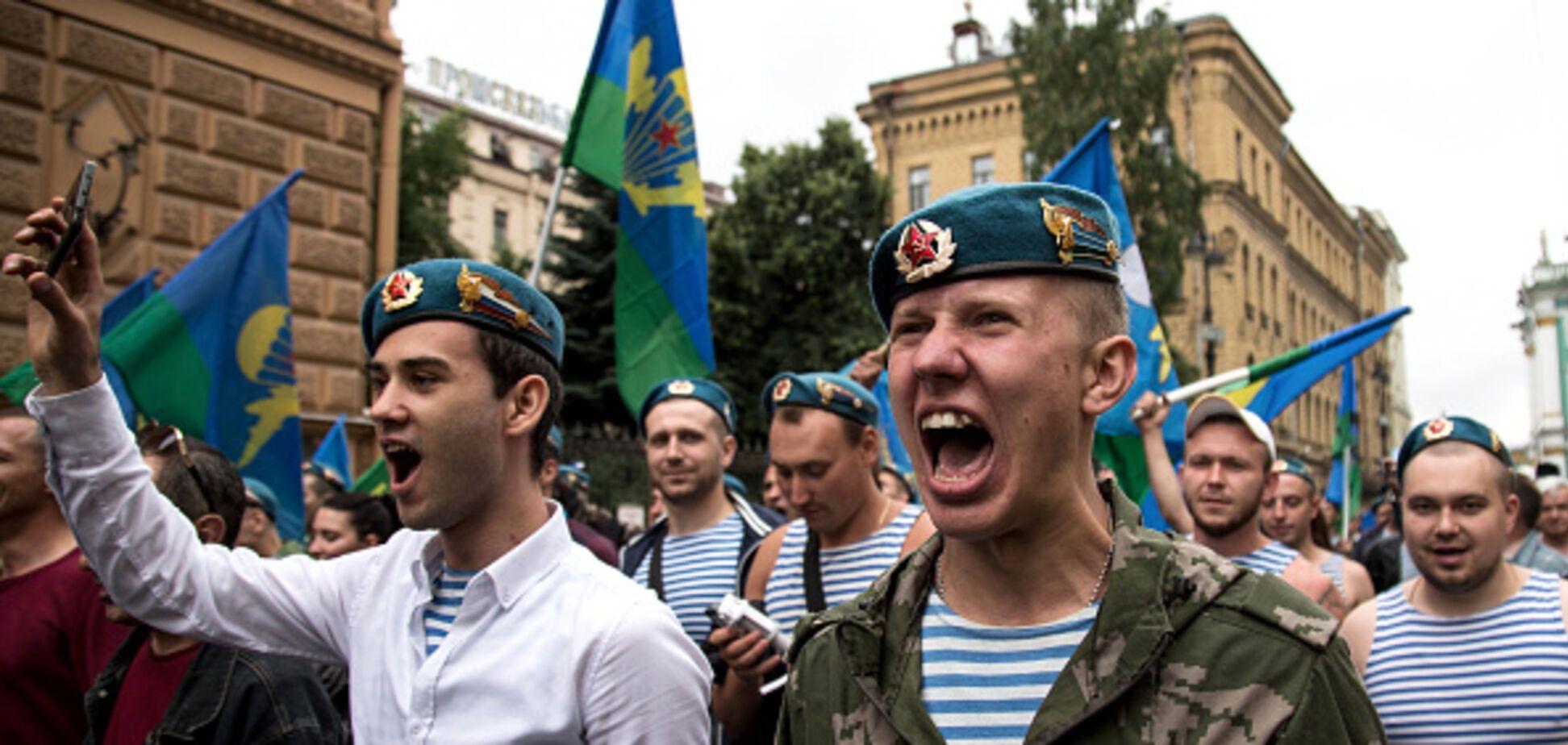 Після 'бойової півлітри': в Криму 'сині' ВДВшники влаштували маски-шоу
