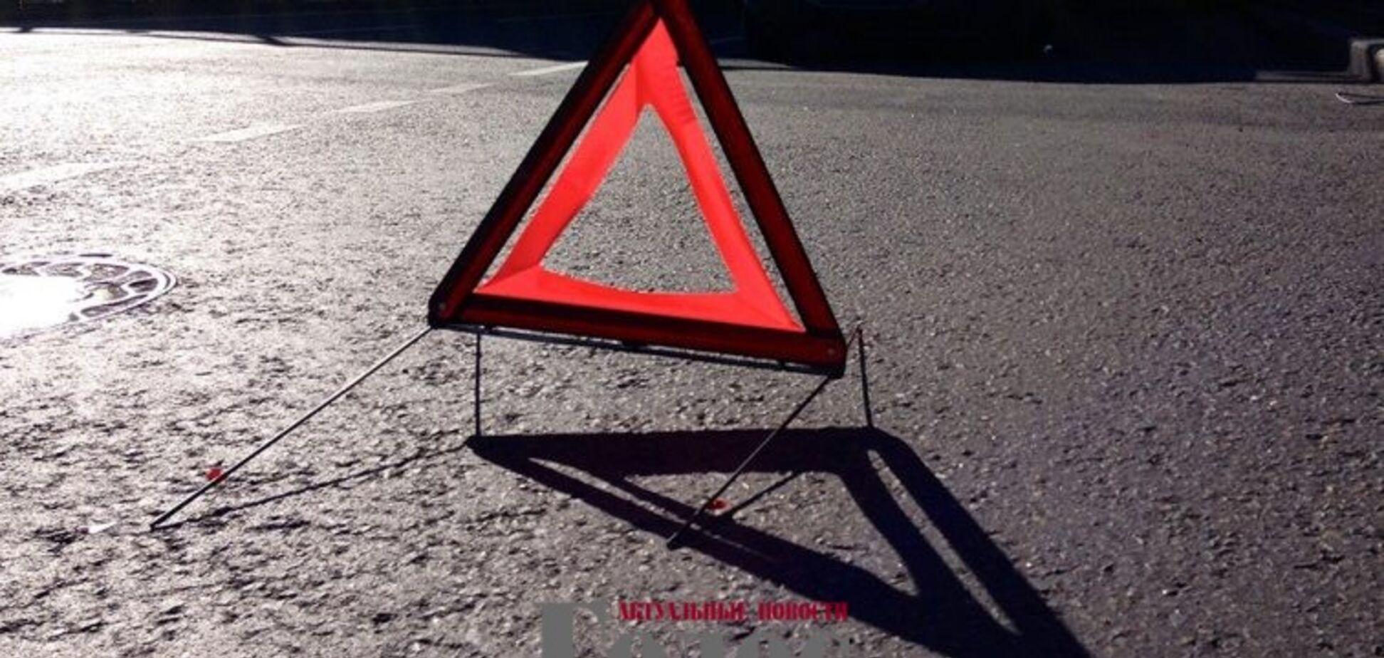 В Запорожье разыскивают автомобилиста, который скрылся с места ДТП