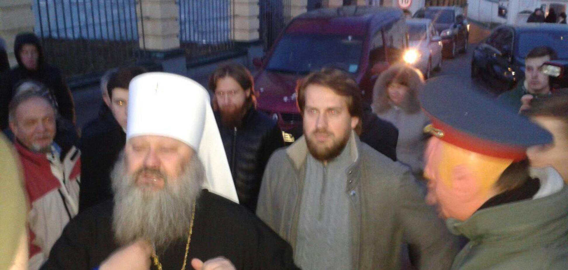 'Ваші банд*рівці вбивали українців': мережа в сказі від заяви намісника лаври