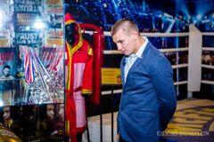 Відомий український боксер став жертвою шахраїв