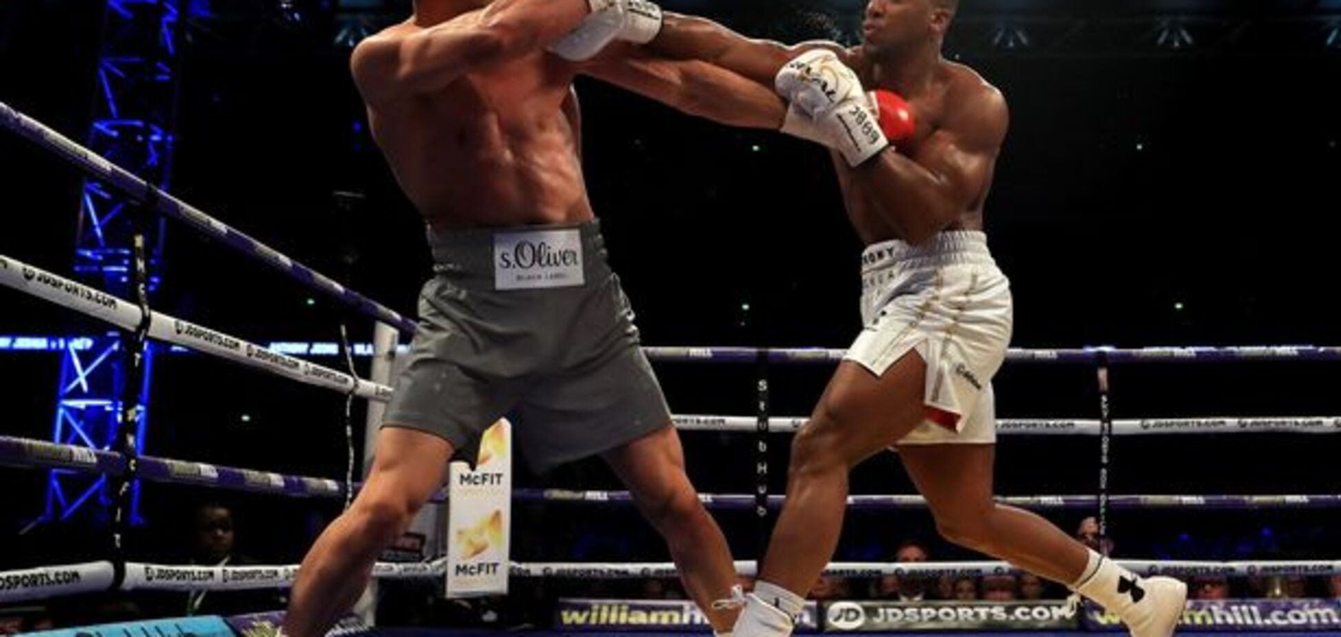 В Англии замяли громкий скандал вокруг боя Кличко - Джошуа